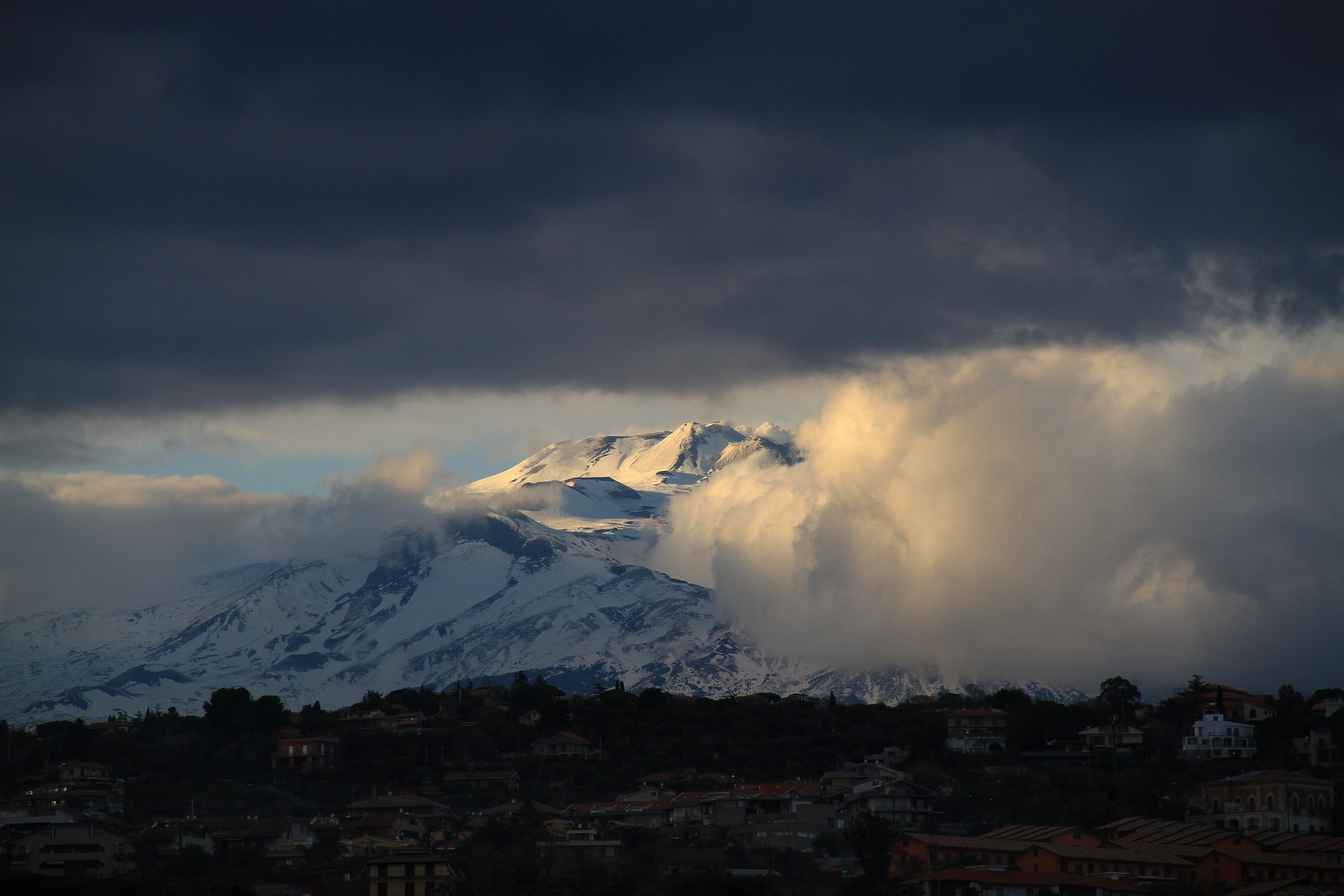 Etna: rest in the clouds...