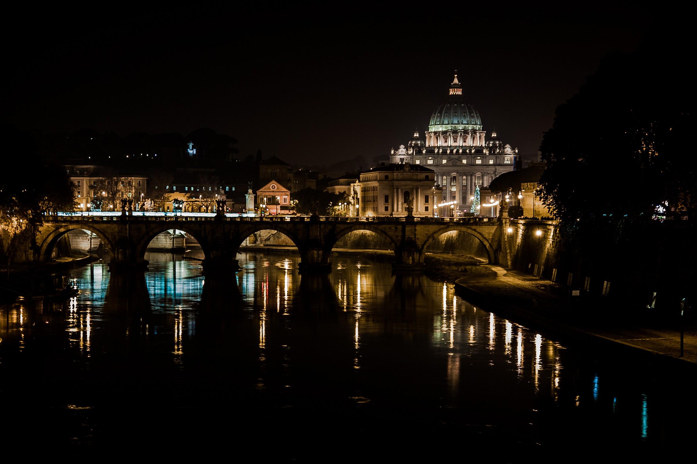 Vaticano notturno classico....