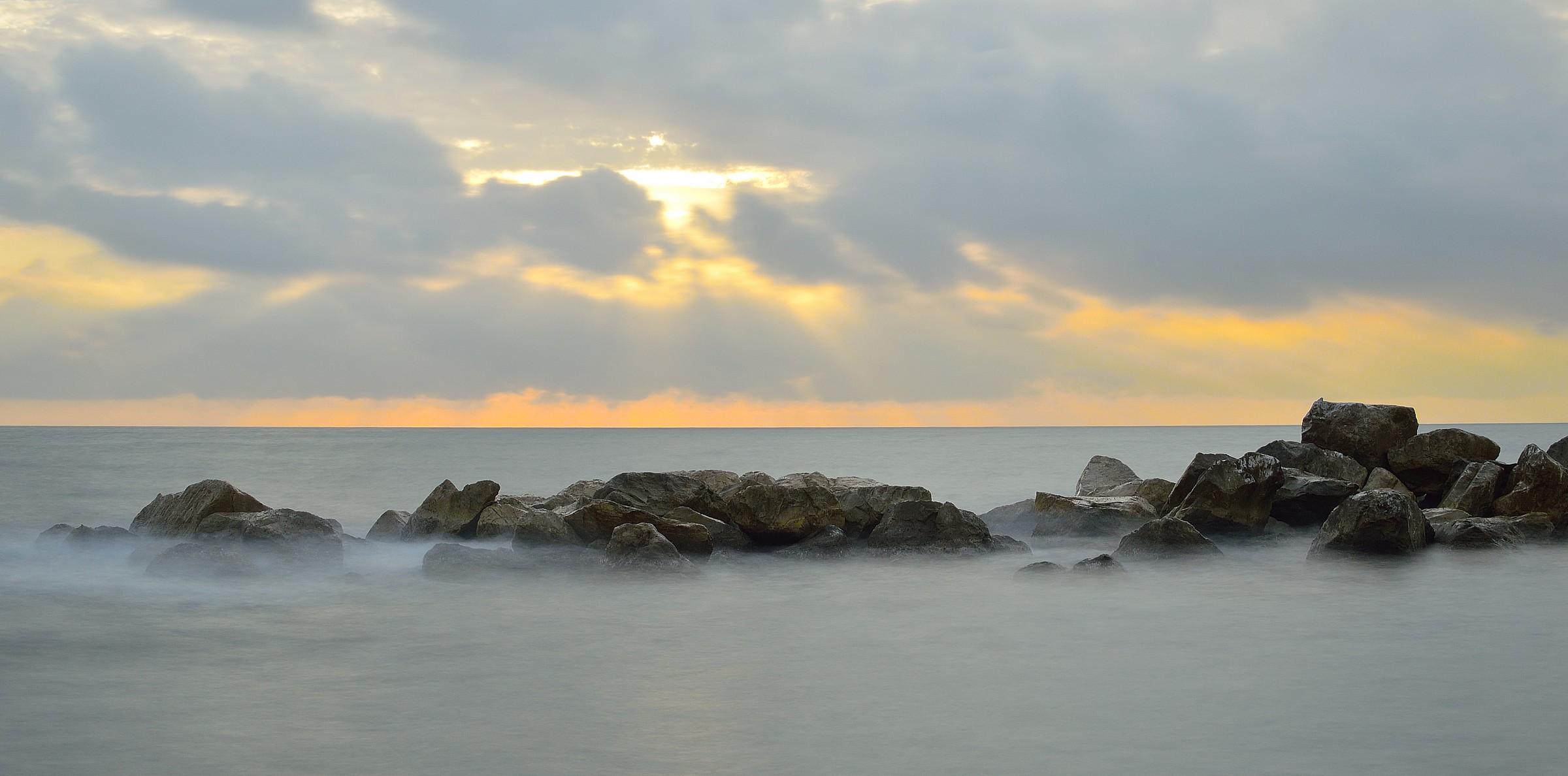 fog on the rocks...