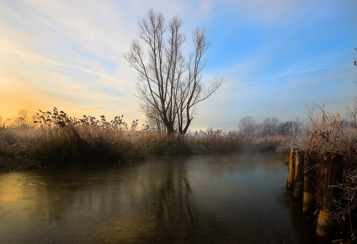 I colori dell'alba sul fiume Mincio...