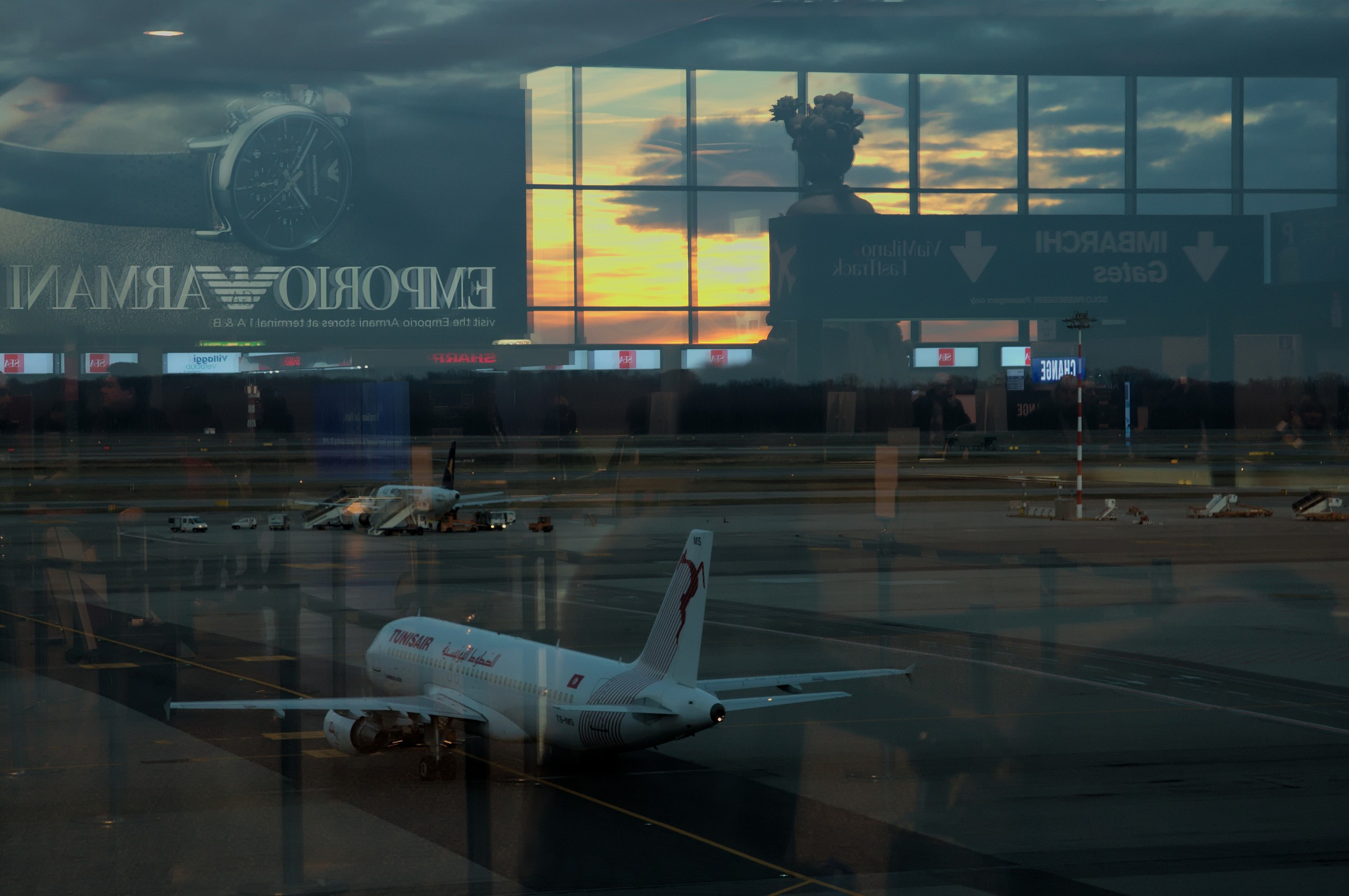 Reflections in Malpensa...