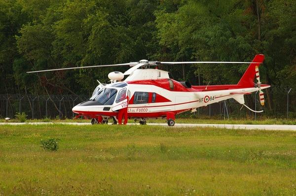 Elicottero Drago 84 : Pentax ist ds caratteristiche e opinioni juzaphoto