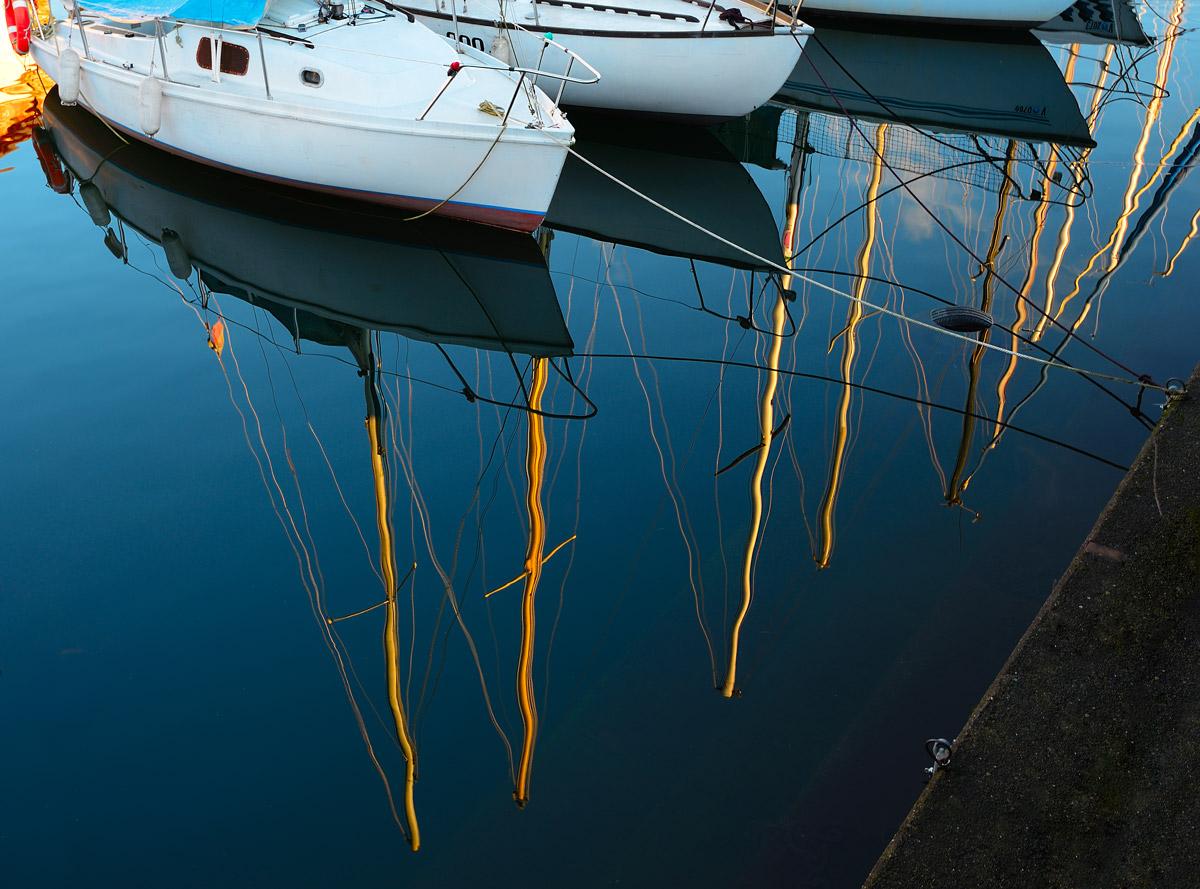 Riflessi al porto di Angera...