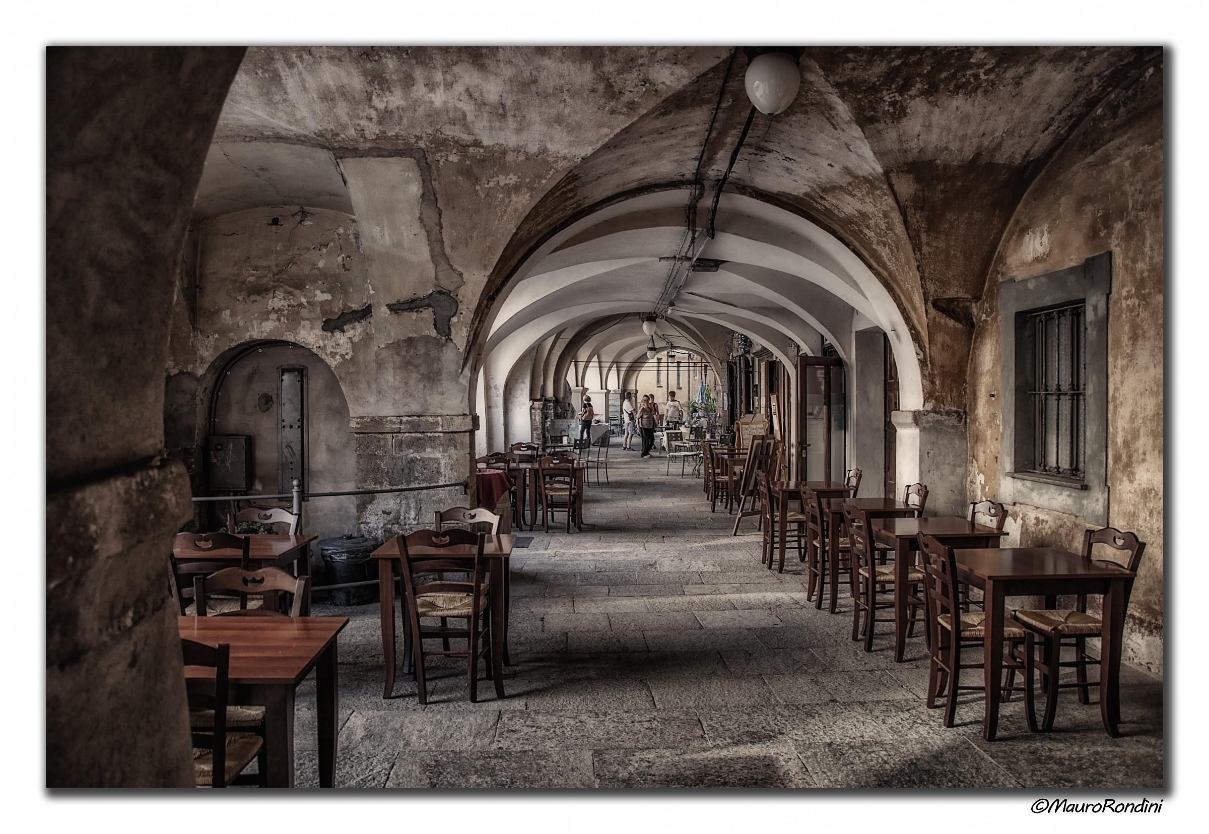 The arcades of old Mondovi...