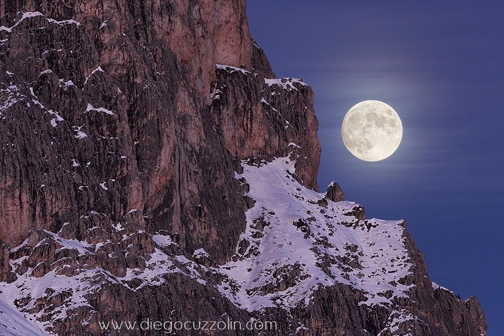 Luna piena sulla cresta...