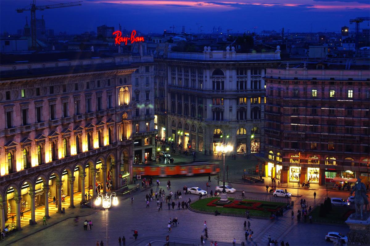Piazza del Duomo in the blue...