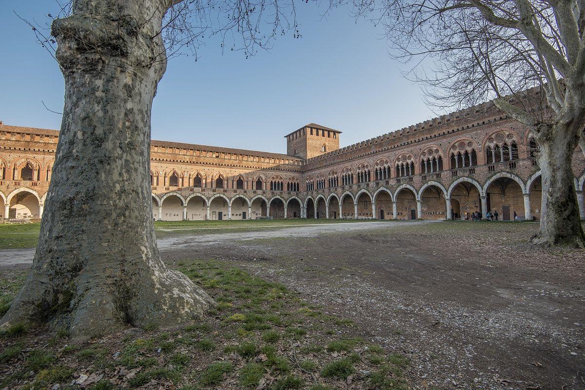Pavia, il Castello Visconteo...