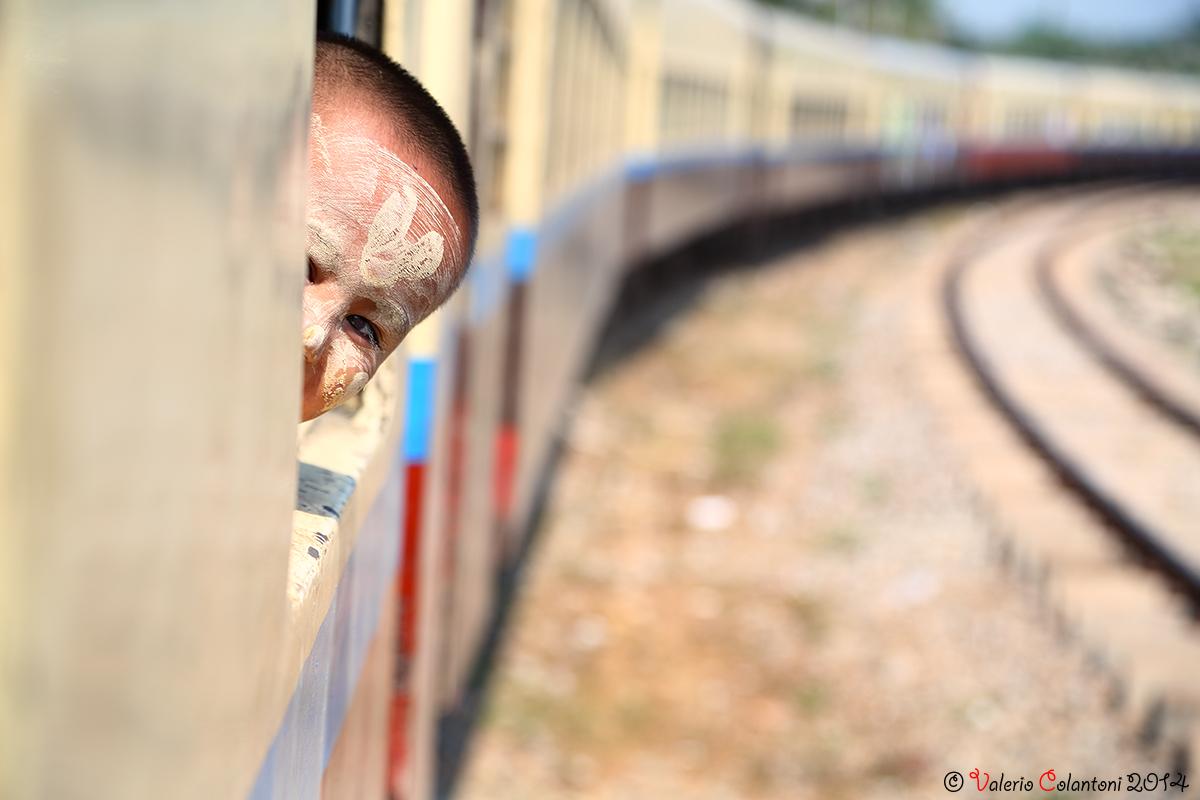 Viaggiando in treno - Myanmar...
