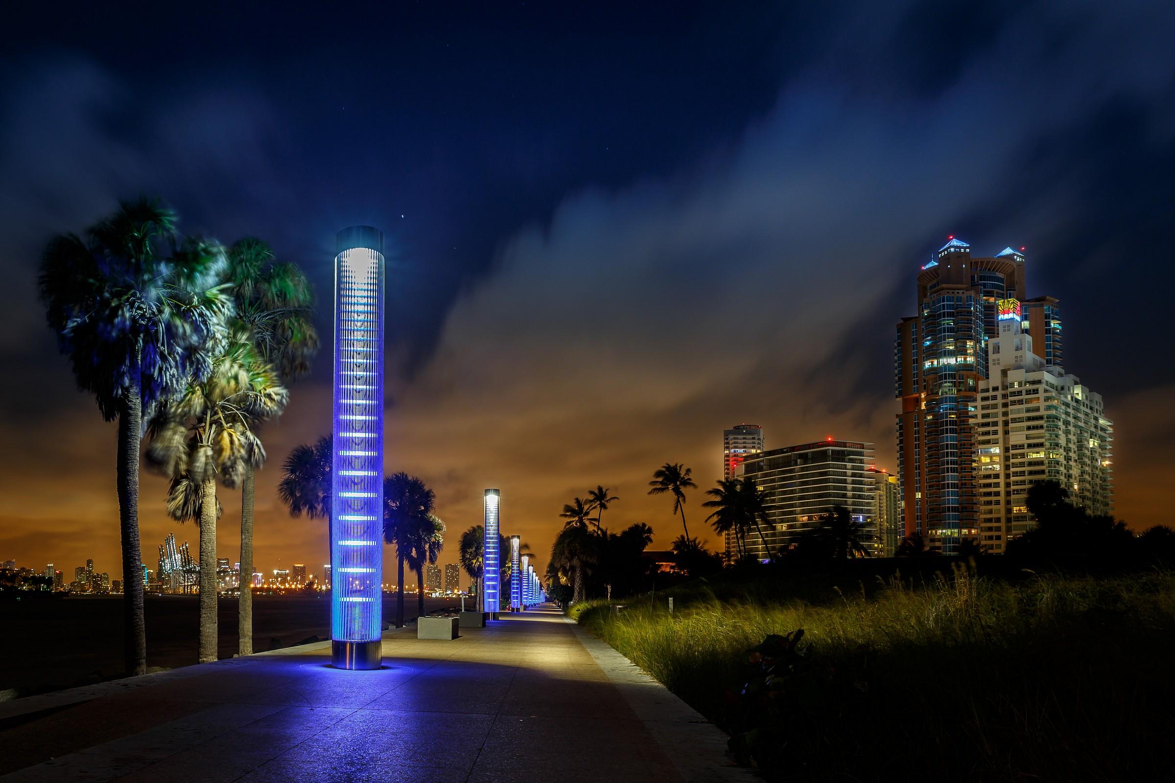 South Pointe Park Walk - Miami Beach...