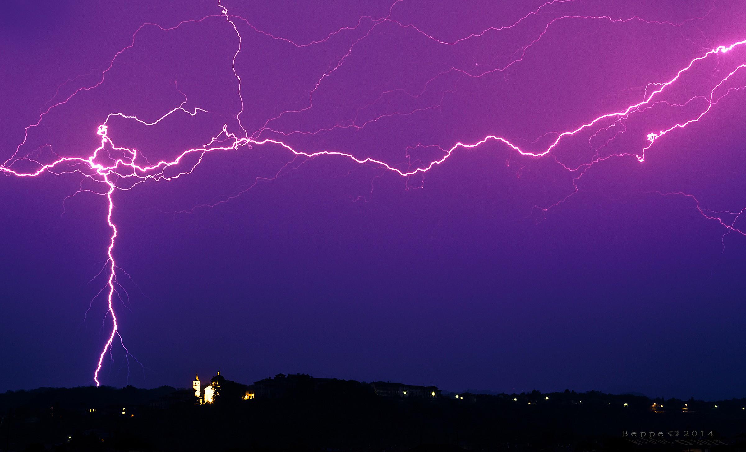 Lightning and lightning...