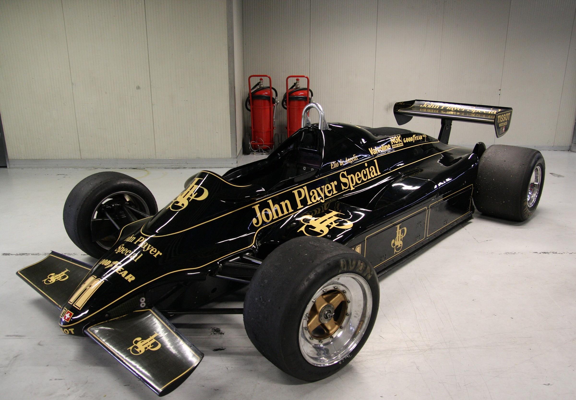 Lotus 91 Elio de Angelis in 1982...