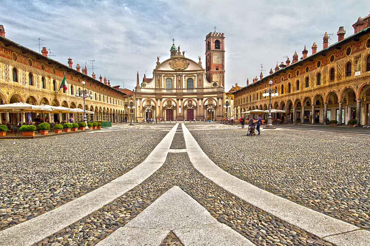 Vigevano Cathedral-...