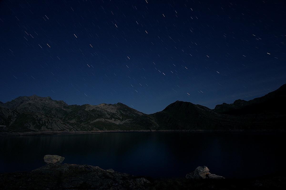 Night under the stars in the moonlight...