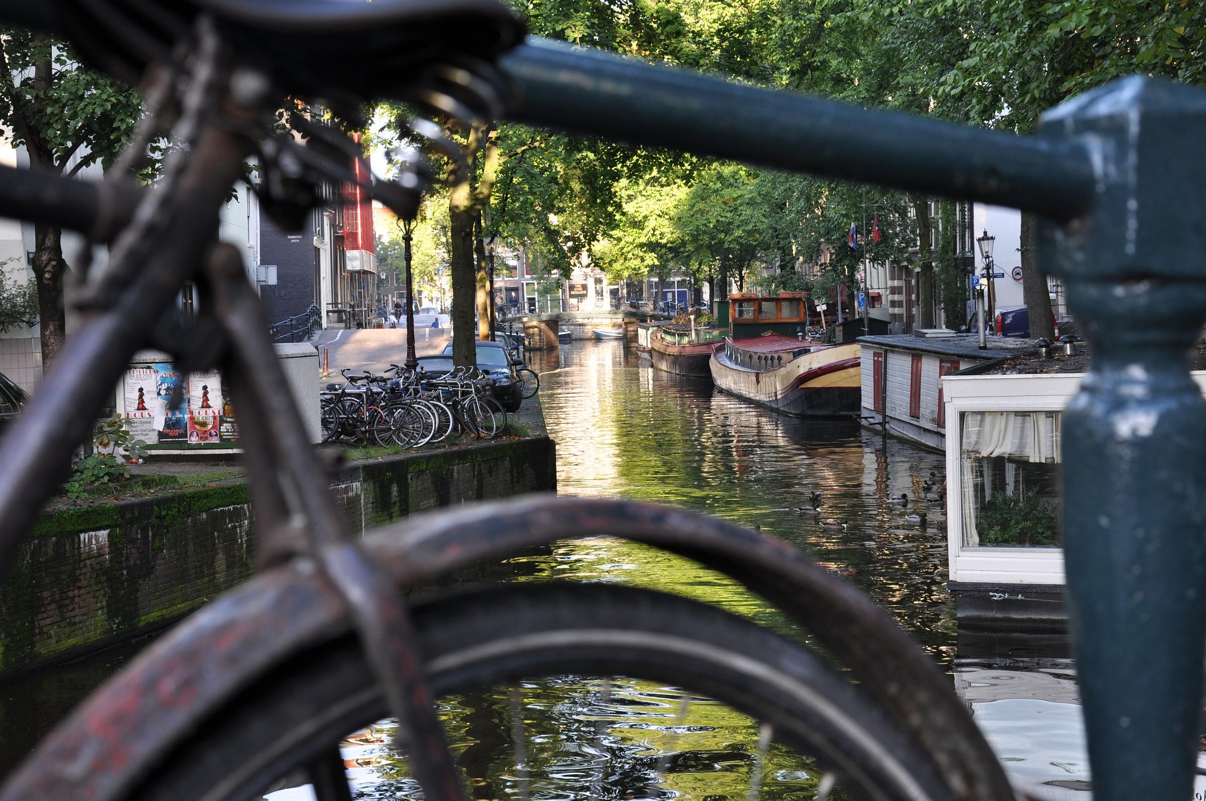 Bicicletta, viaggiare ad Amsterdam...