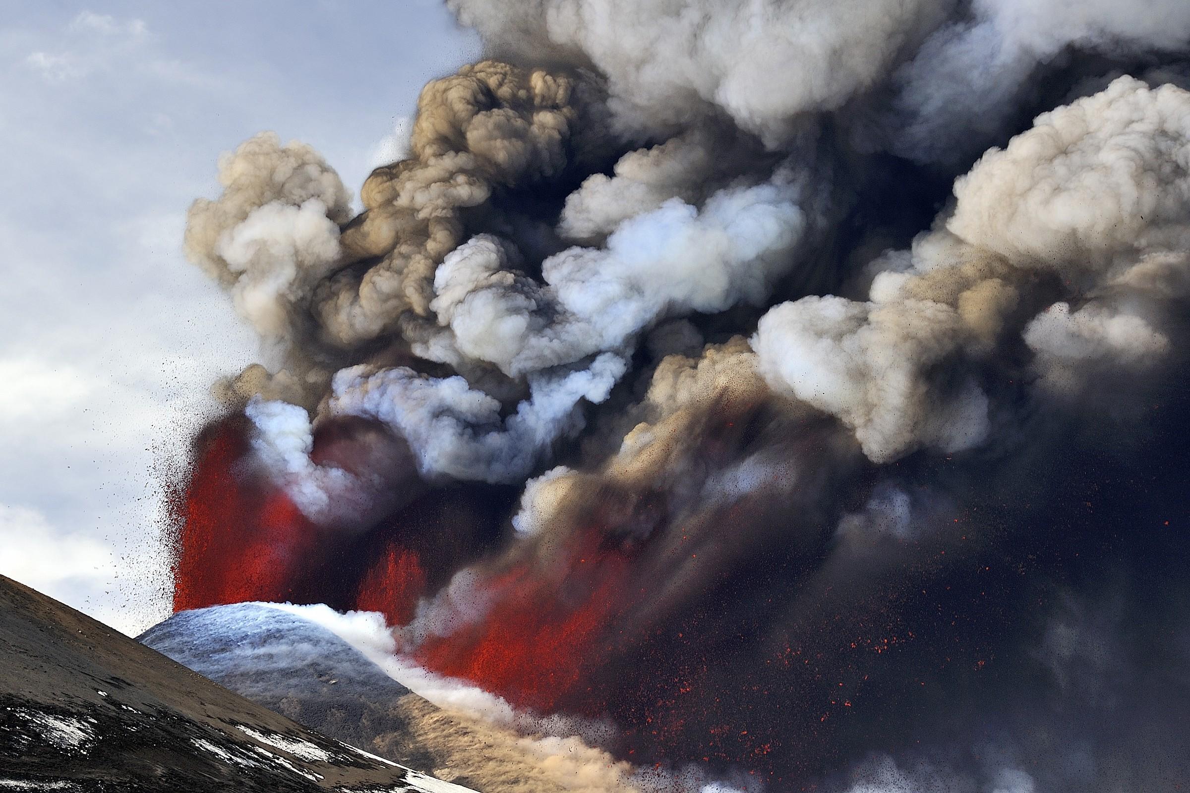 Etna_2012-1...