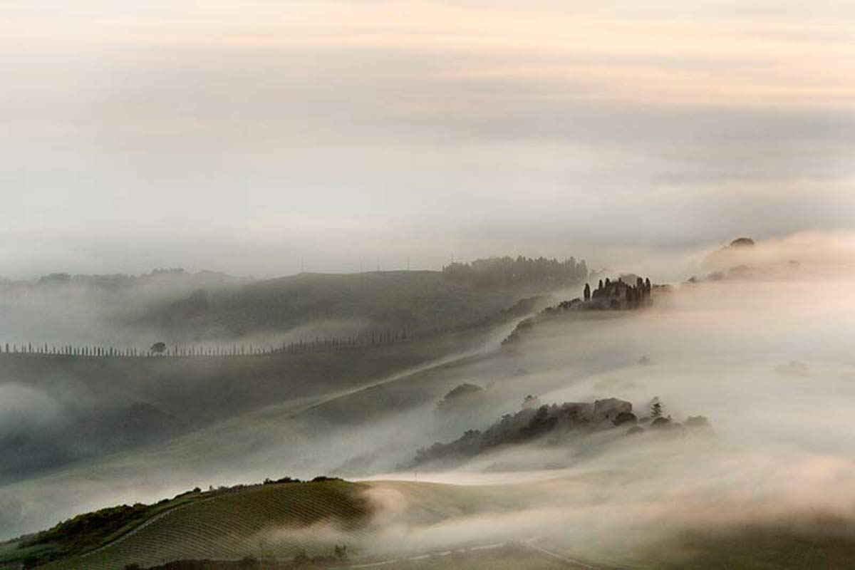 nebbia in val d'orcia...