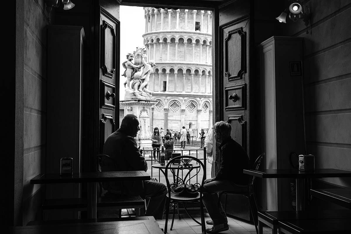 Un caffè guardando la torre...