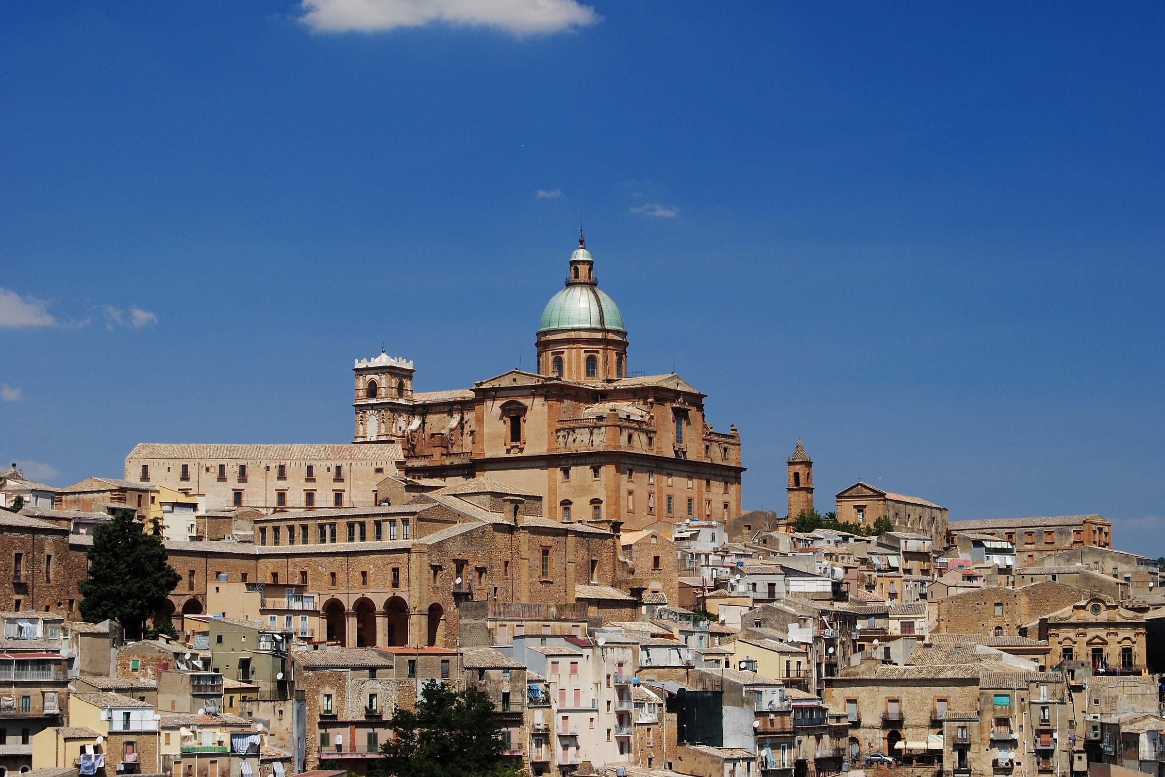 Piazza Armerina and its cathedral...