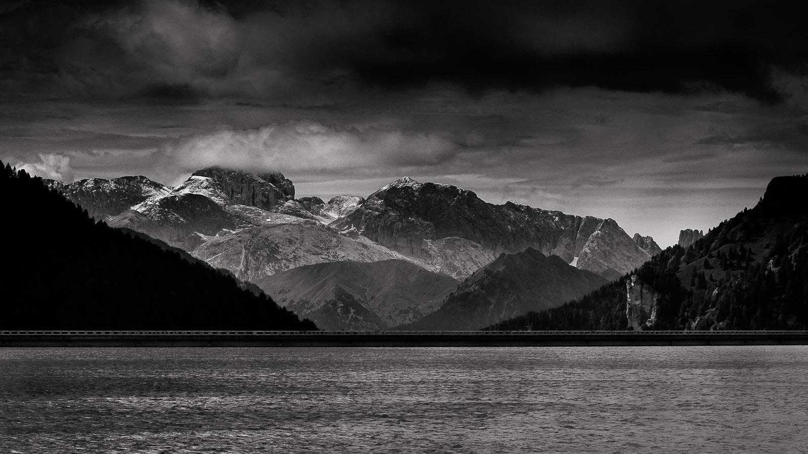The dam mountain...