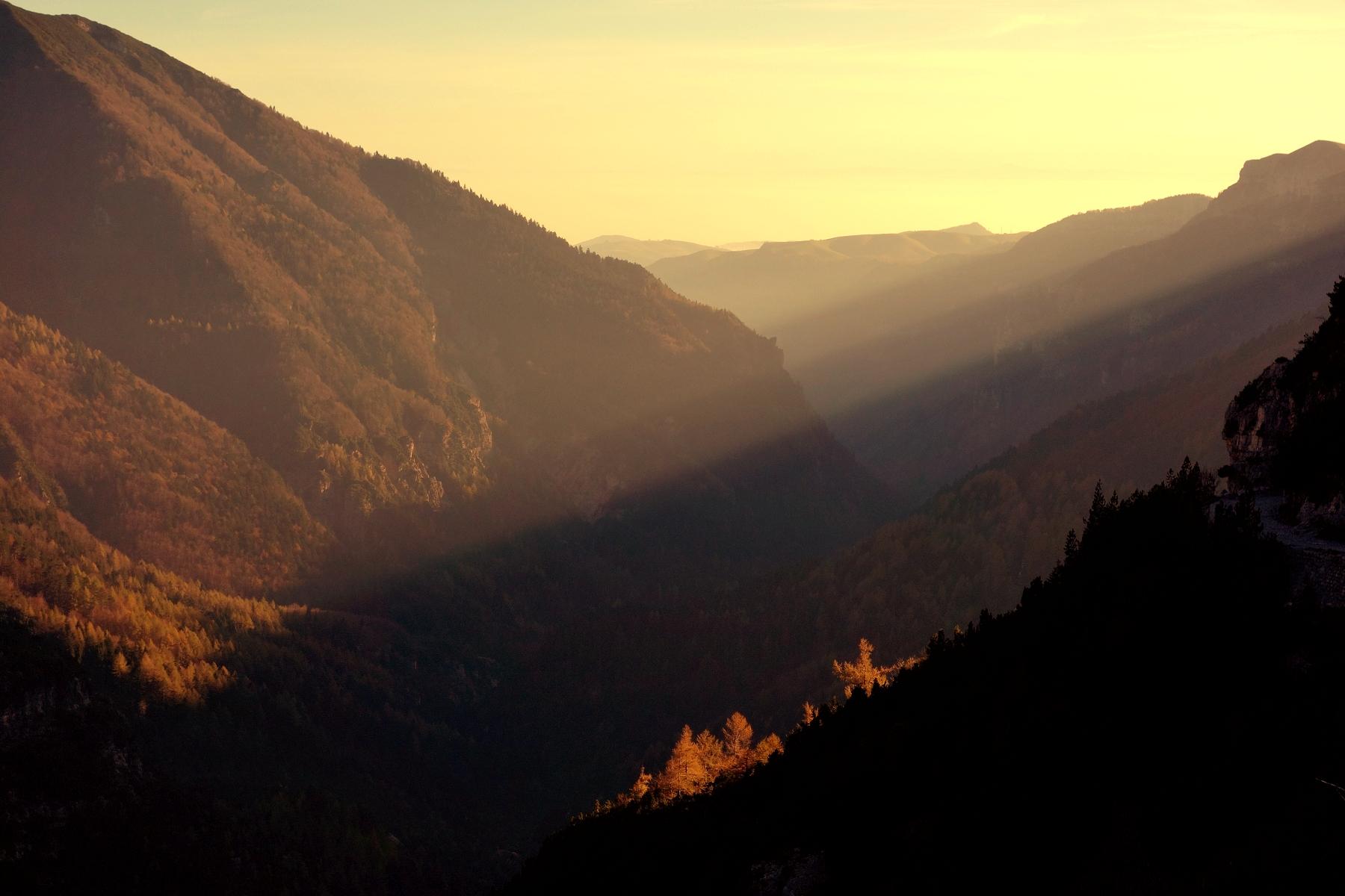 Arriva la sera in Val Revolto...