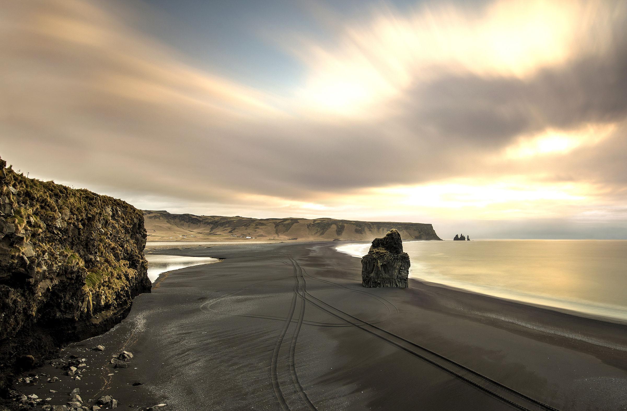 Iceland - Beach Dyrholaey...