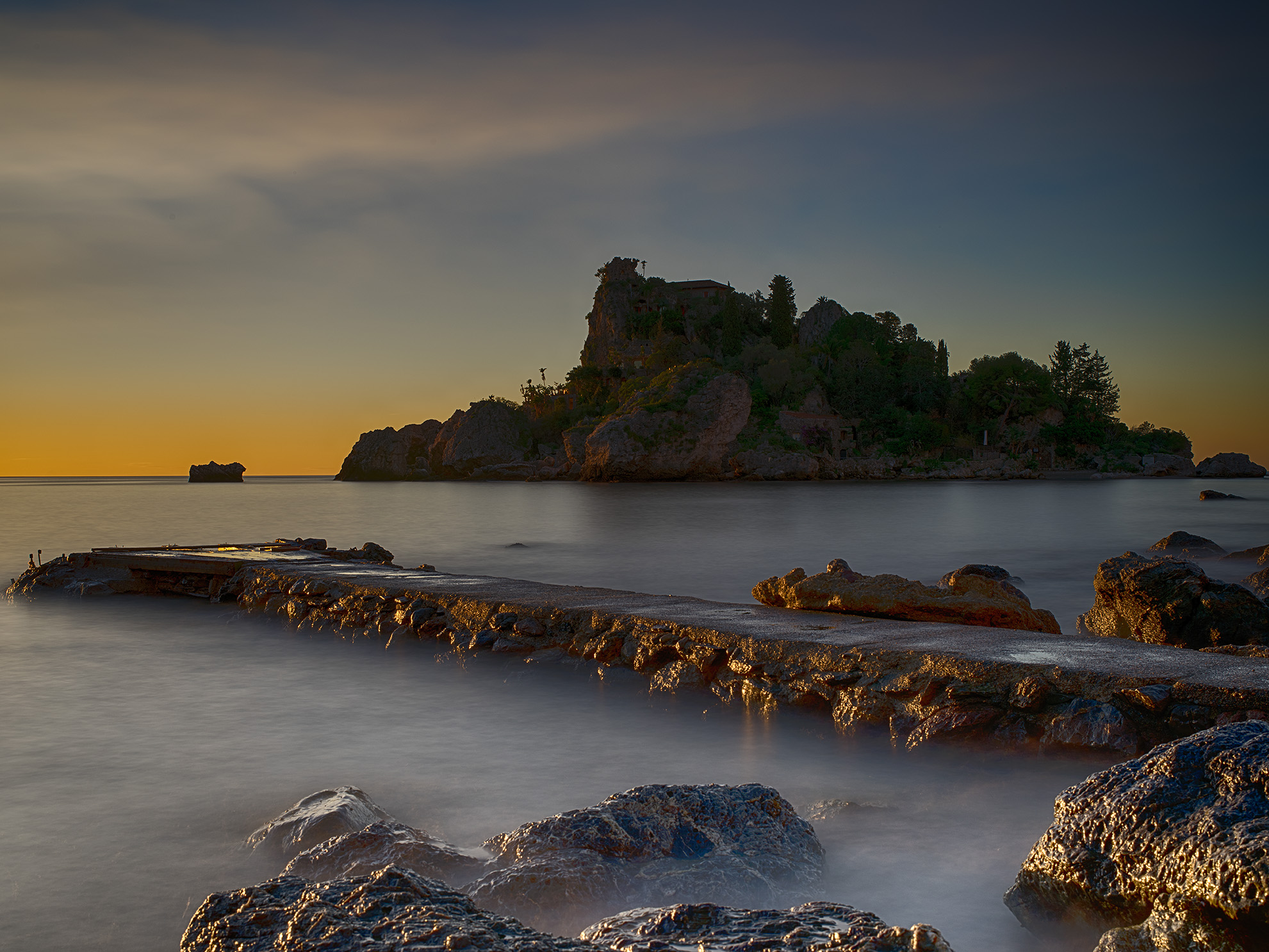 Alba all'Isola Bella (Taormina)...