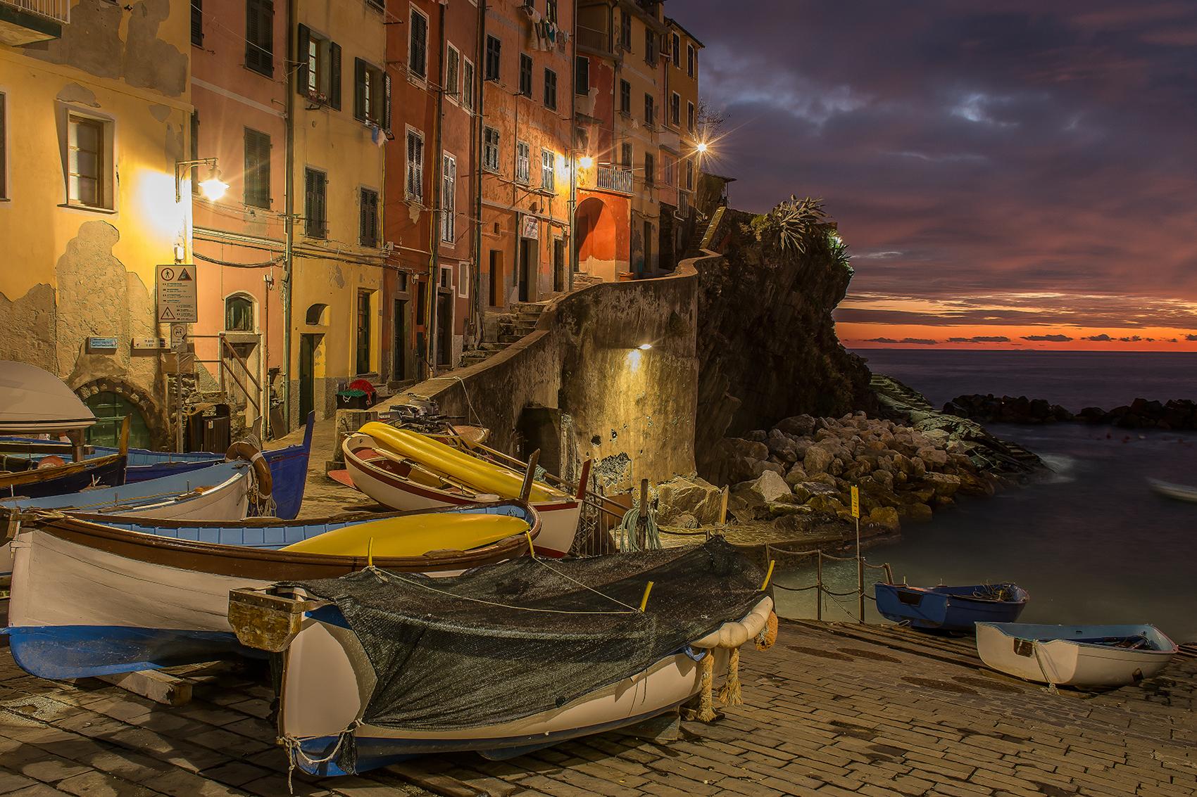 Riomaggiore-La Marina (Blue Hour)...