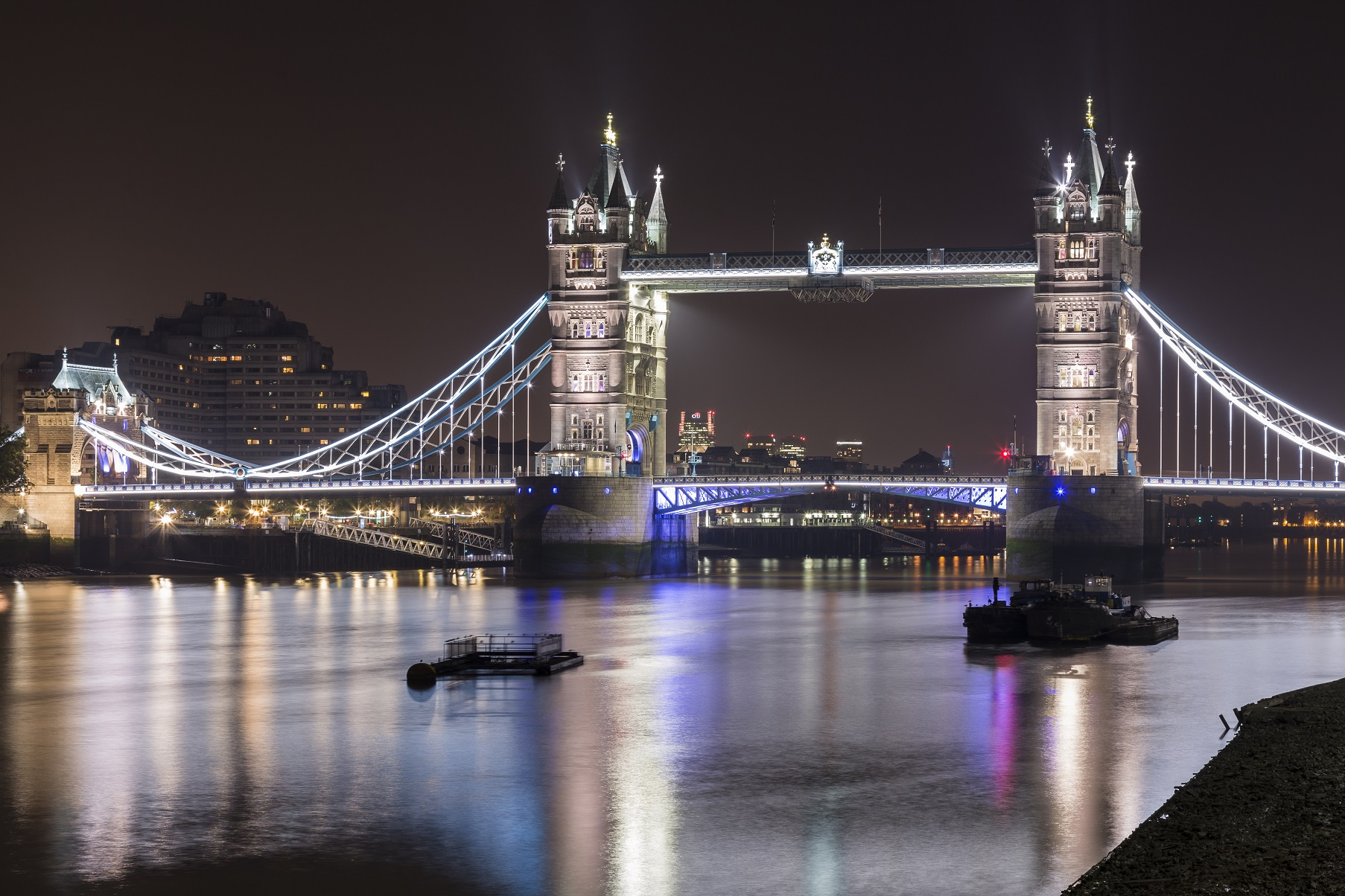 Londra: Tower bridge e Tamigi...