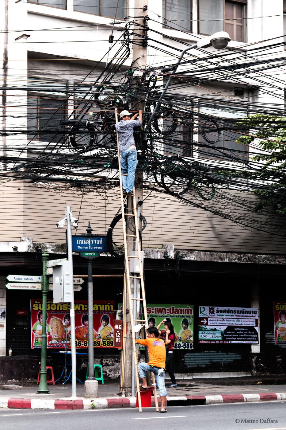 Elettricisti in Thailandia...