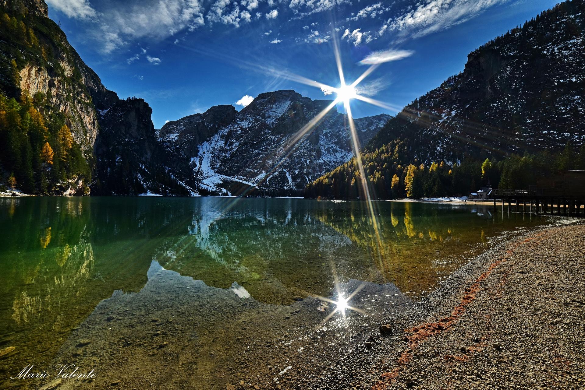 Raggi di sole nel cielo e nell'acqua...