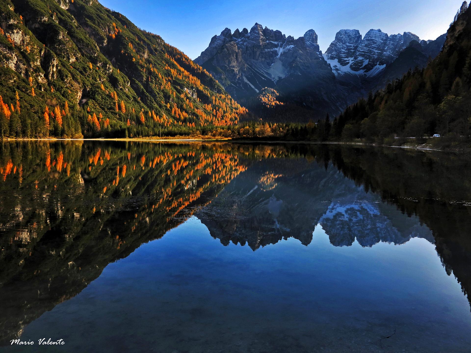 Lago di Landro: specchio autunnale...
