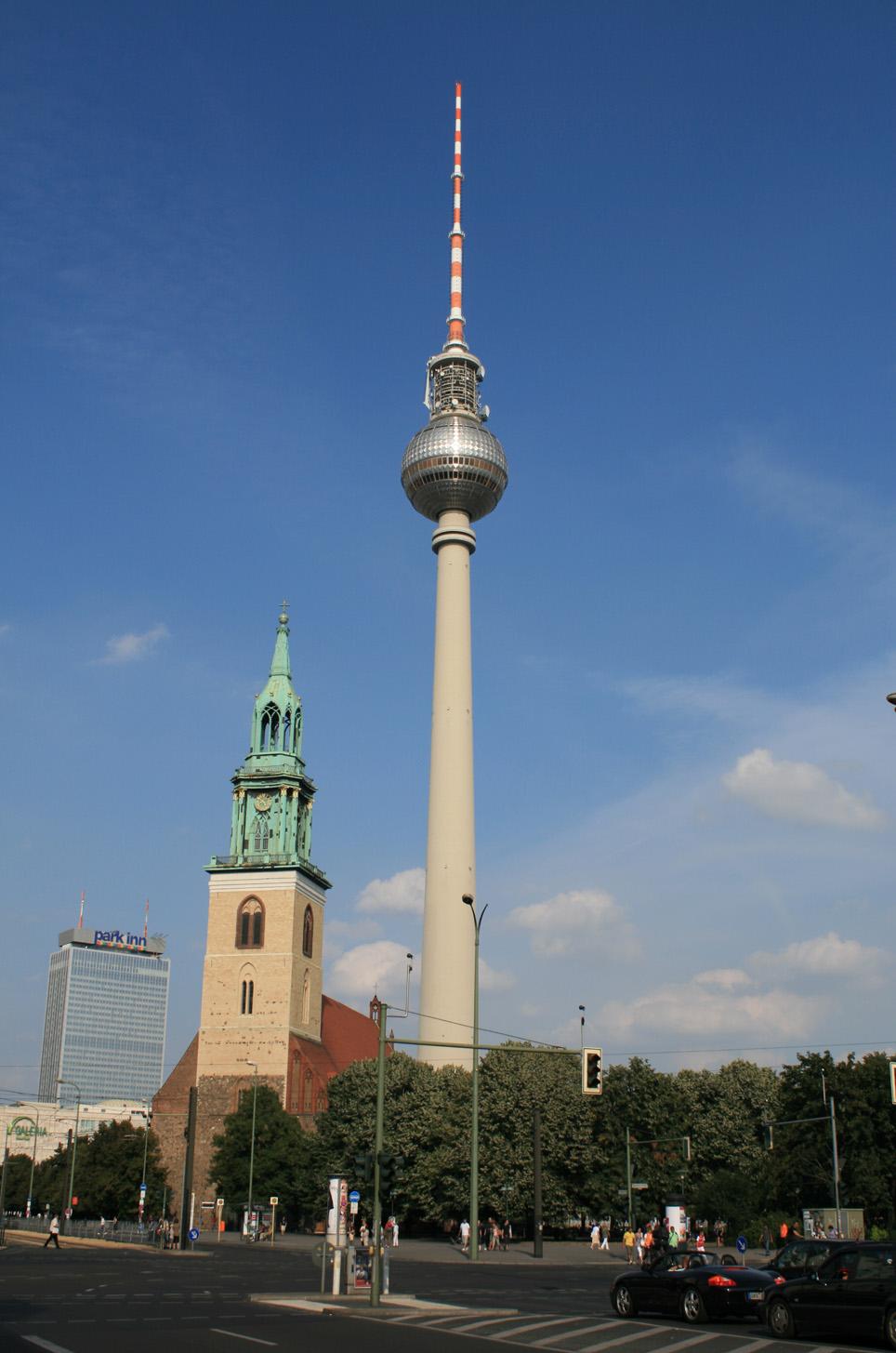 Berlino - Fernsehturm o torre della televisione...