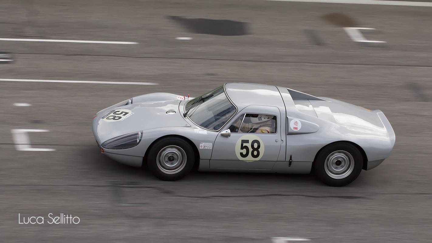 Porsche 904...