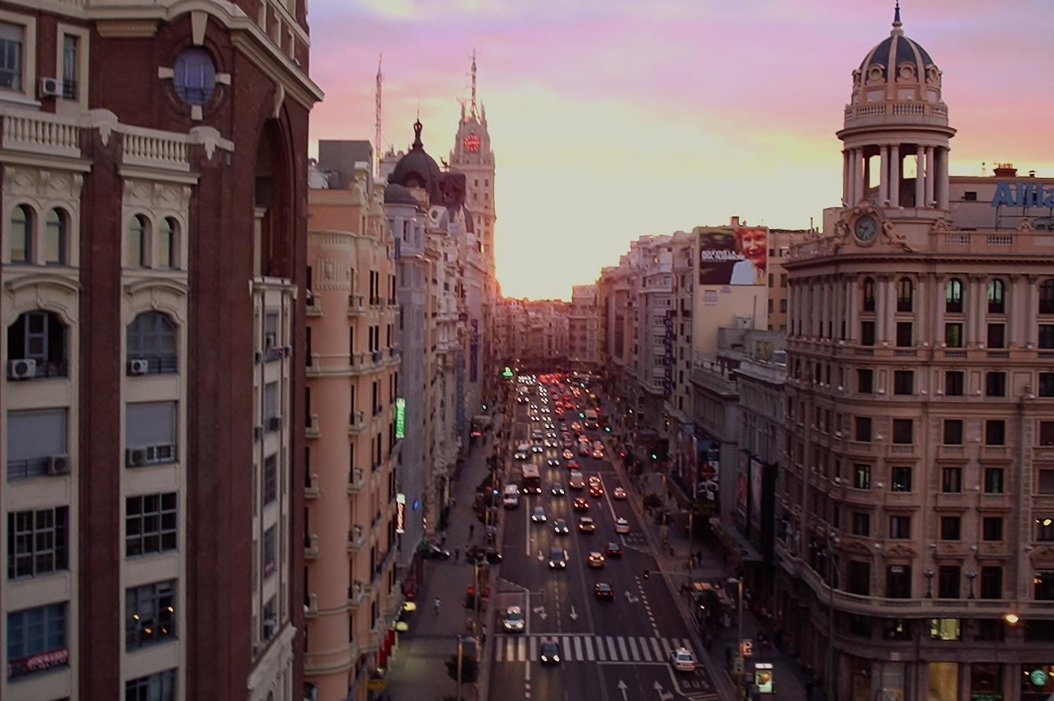 Madrid, La Gran Via...