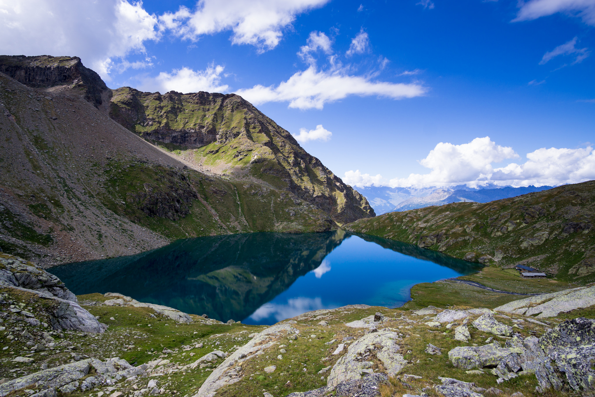 Lower Lake - Les Laures...