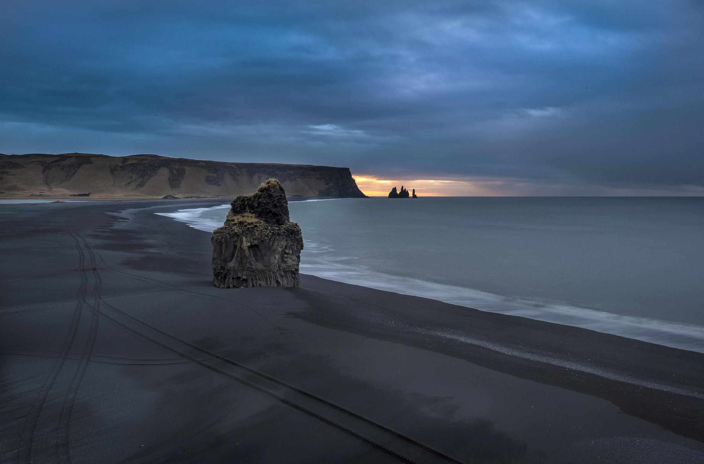 Vik - Black Beach...