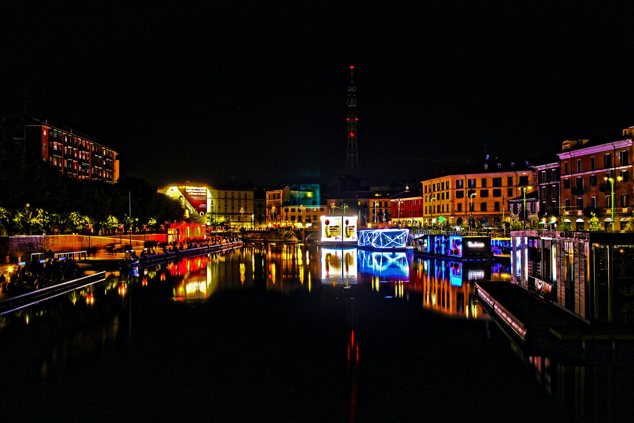 Milan - The dock at night...
