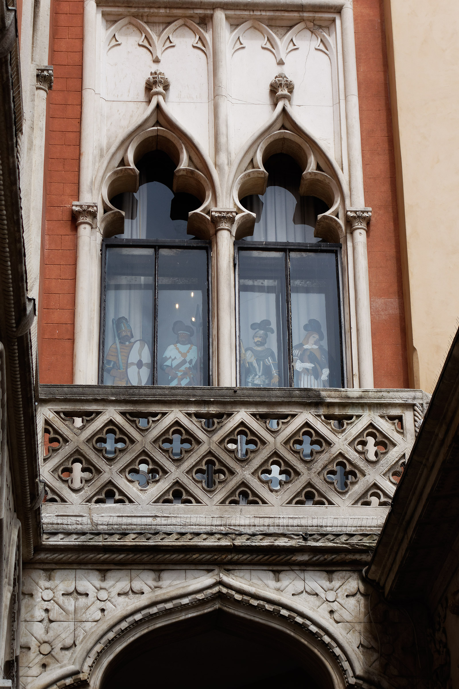 curious window - Padua, coffee Pedrocchi...