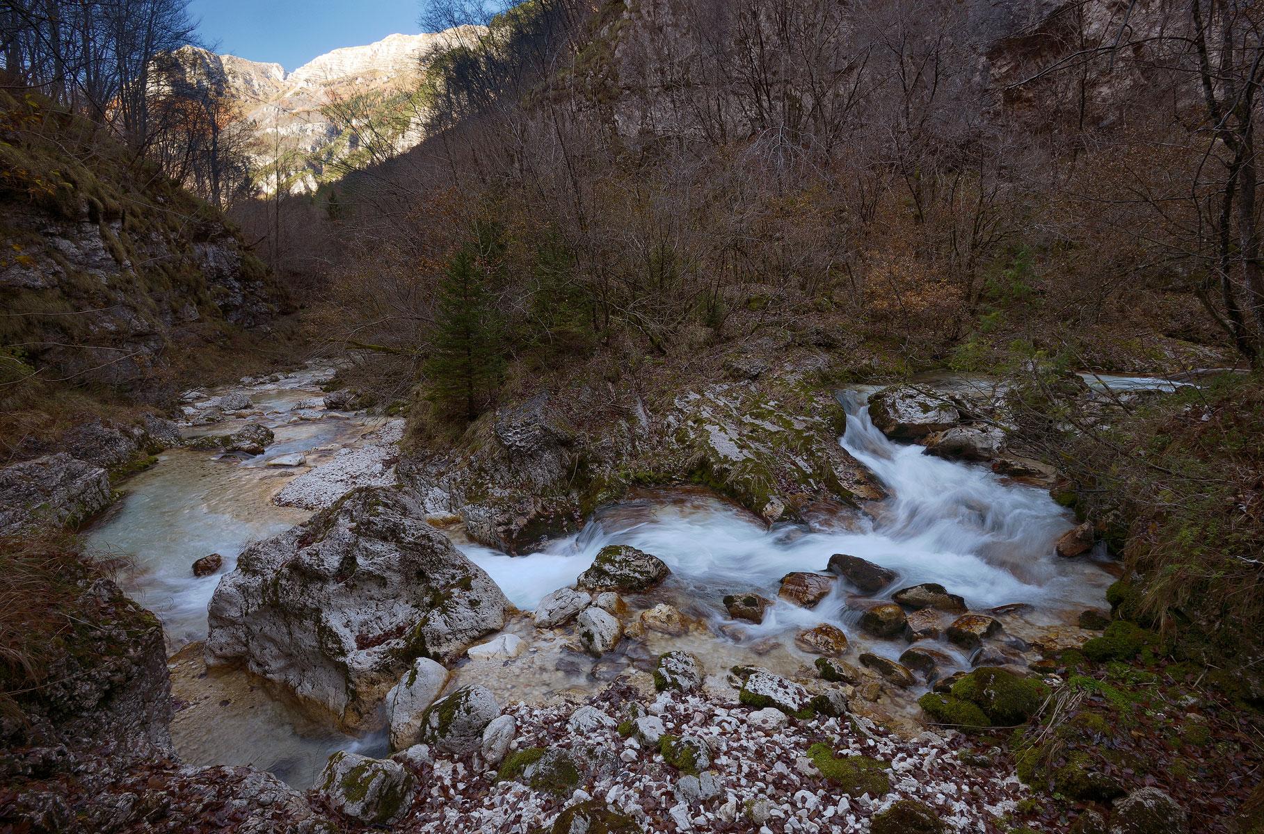 Torrente Raccolana. Alpi Giulie....
