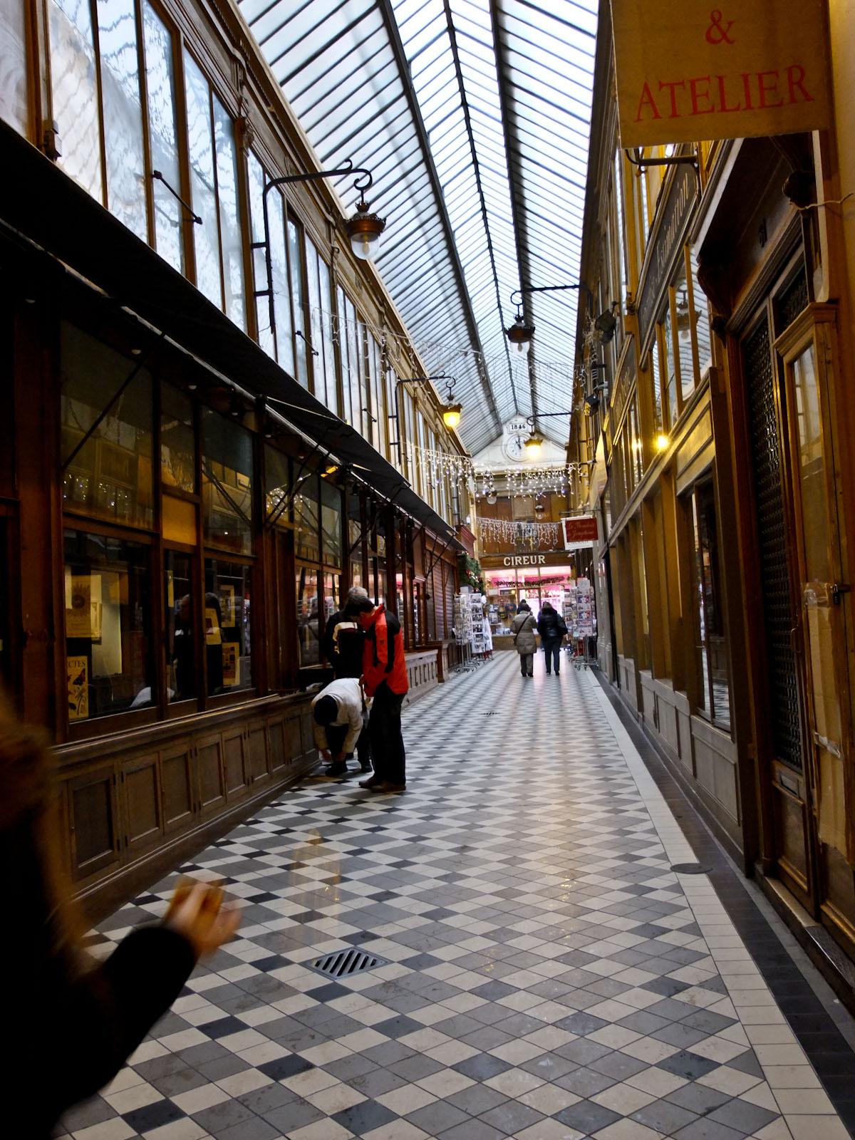 internal passage for rue Montmartre...