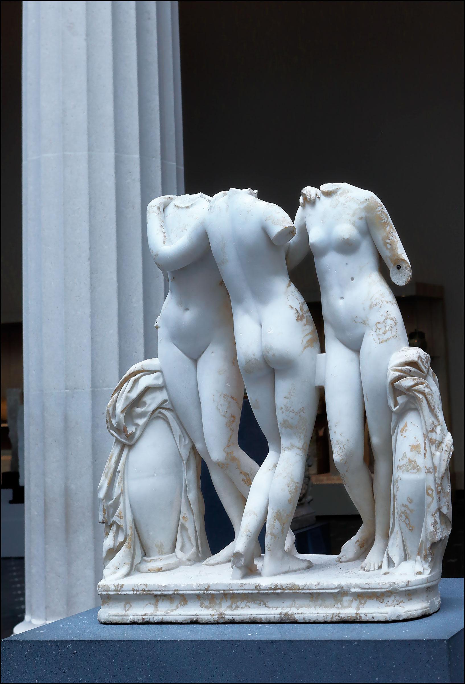 Le Tre Grazie - Metropolitan Museum New York...