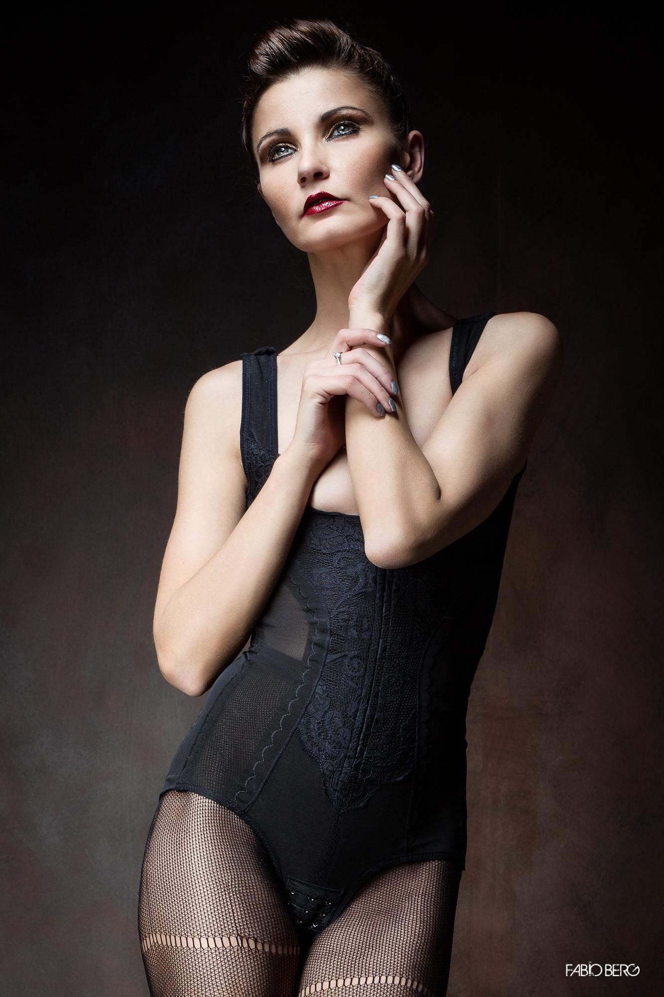 Poisonhipnotick - Natasha Guarnieri...