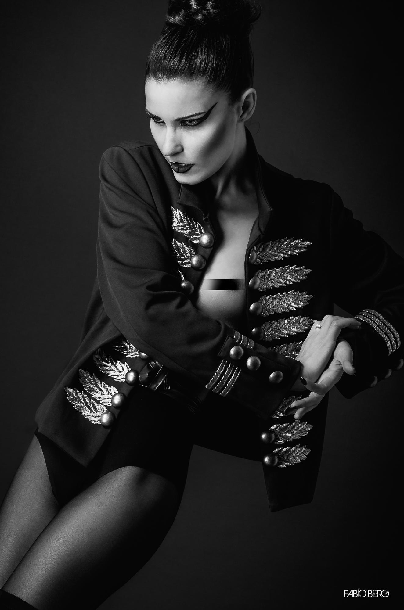 Fashion Action - Poisonhipnotick...