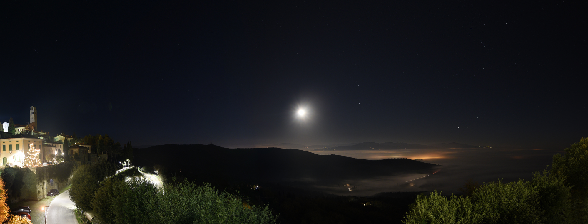 The moon and the fog...