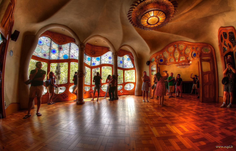 Casa batl salone principale gaud juzaphoto for Interni salone