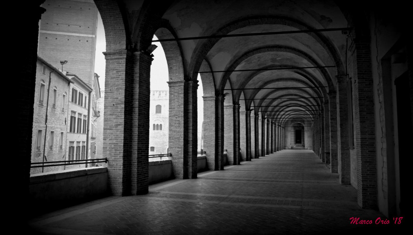 Loggia S. Francesco-Fabriano (AN)...