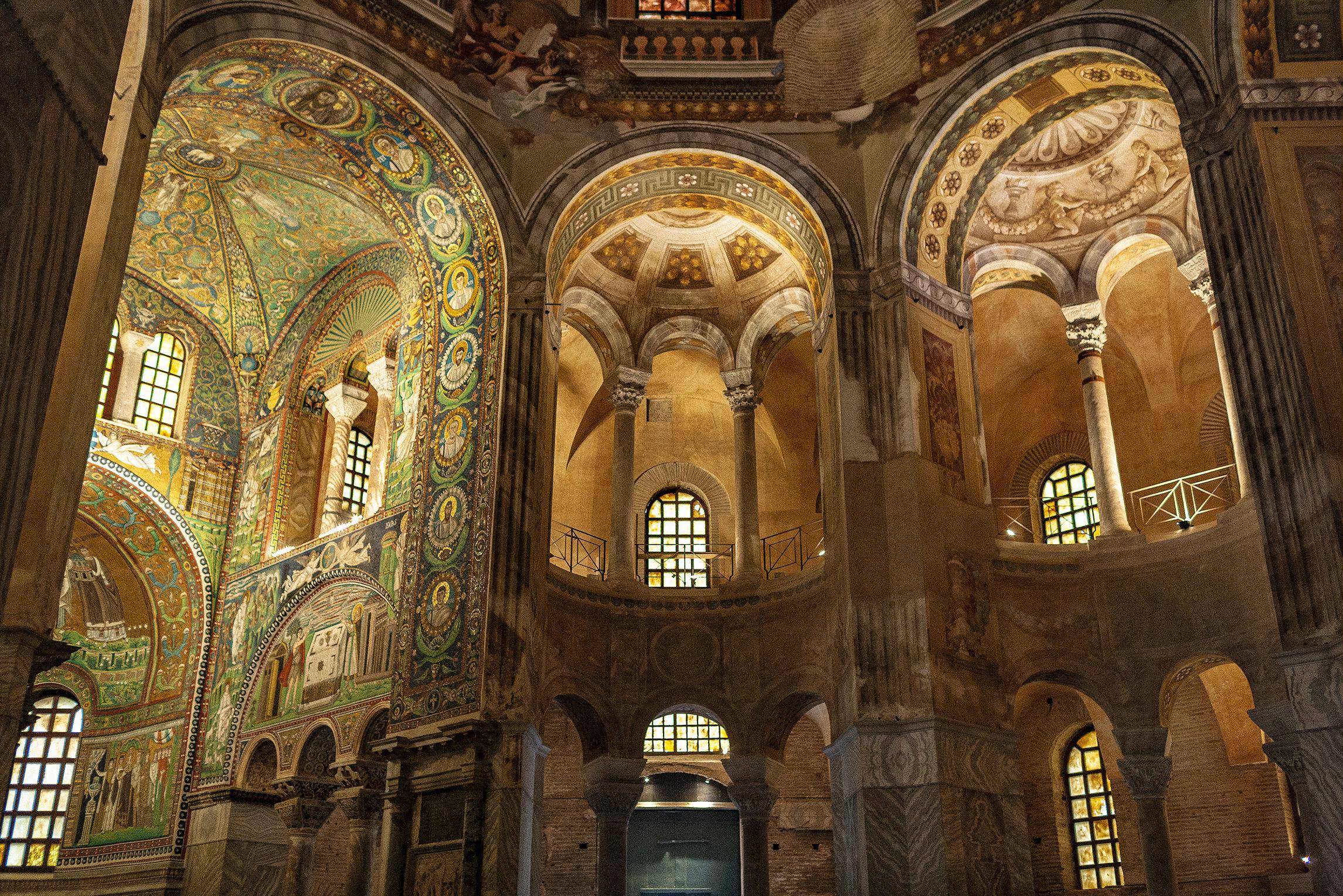 Basilica of San Vittore-Ravenna-...