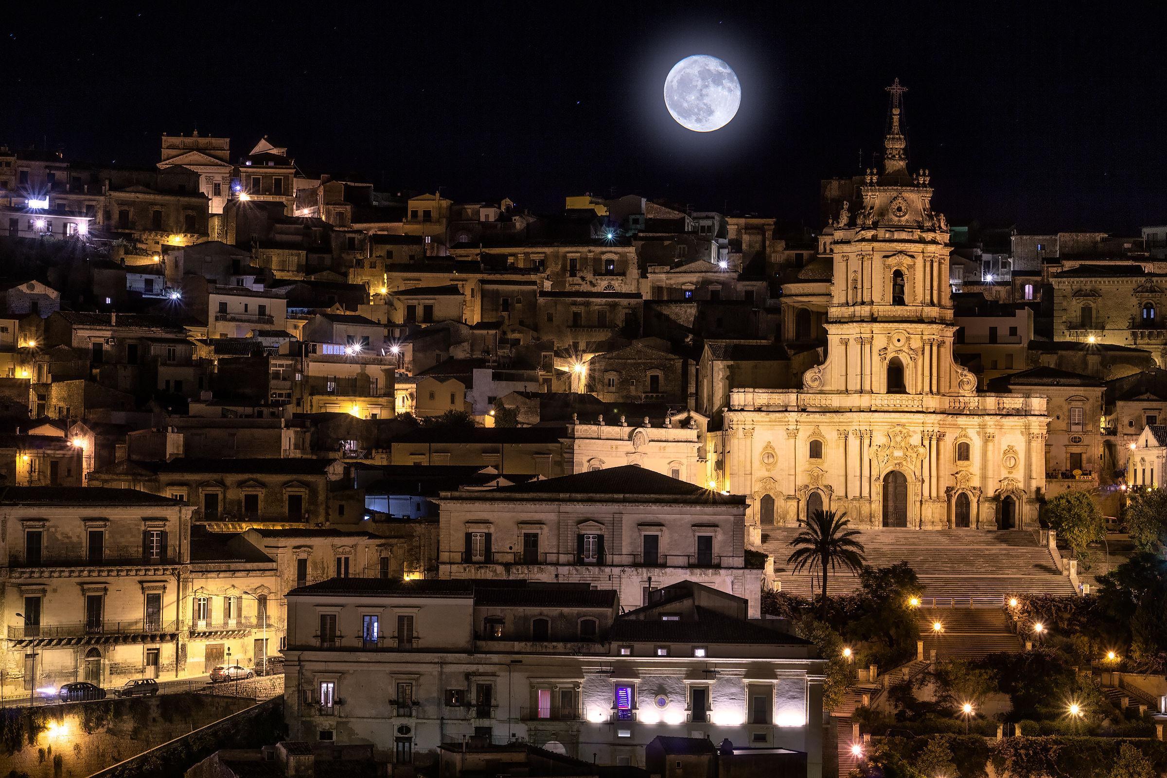 Notti di luna piena...
