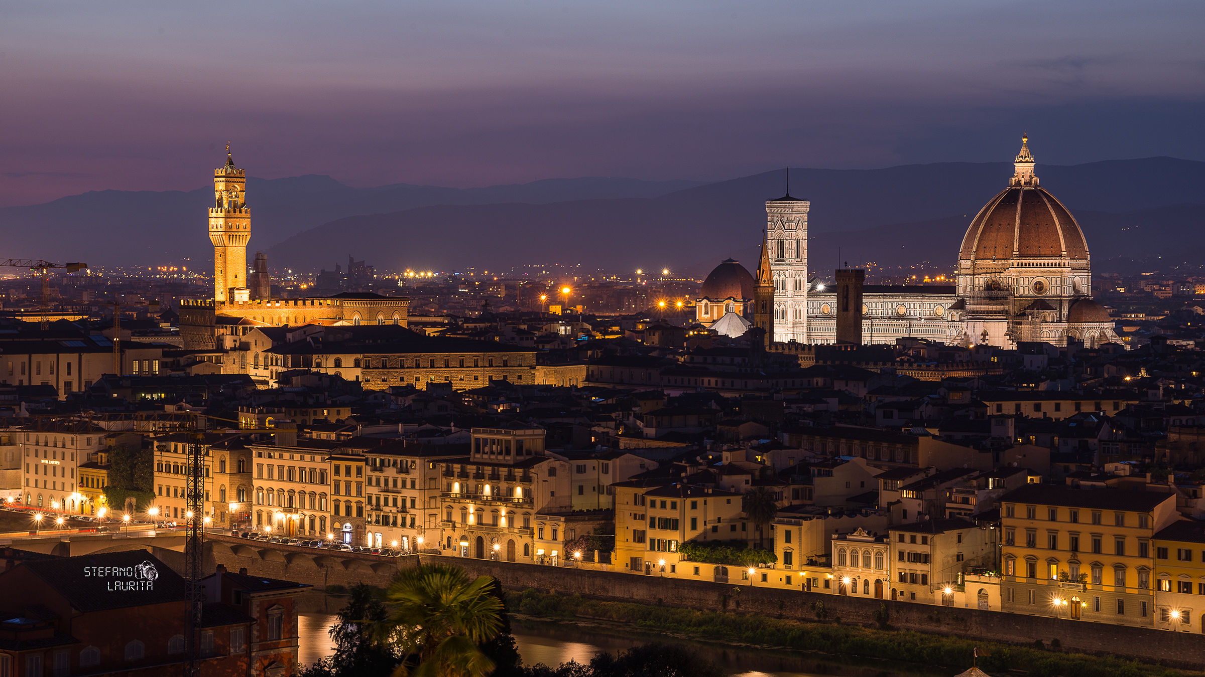 First lights of the night, Florence...