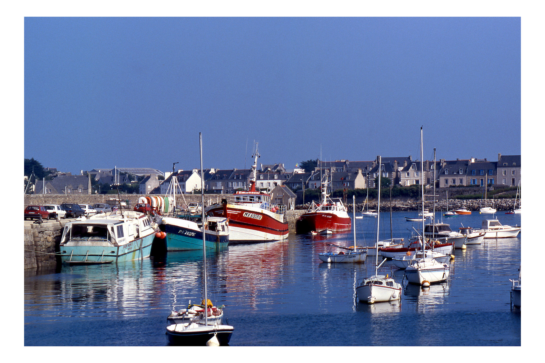 Barche da pesca ormeggiate in porto....